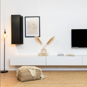 Das vertikale Board in schwarz-matt in Kombination mit dem weißen Tv-Board Somero - perfekt für jedes #Wuunzimmer 🖤