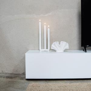 White Details ⚡   Mögt ihr eure Deko eher clean & simpel oder farbenfroh? Lasst es uns in den Kommentaren wissen 👇🏻
